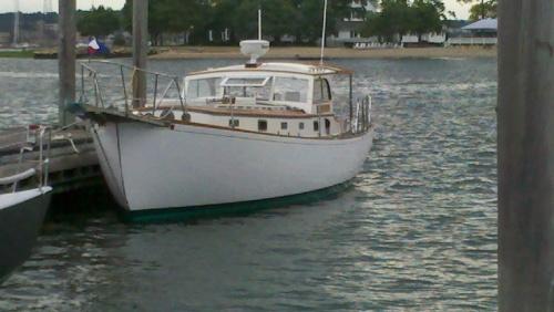 Memsahib in Powerboat Guise