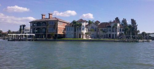 Would I want MY Sarassota mansion right next to ANOTHER GUY's Sarasota mansion?  Birds of a feather, I guess.