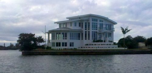 I'm not much into modern houses, but this one would do.