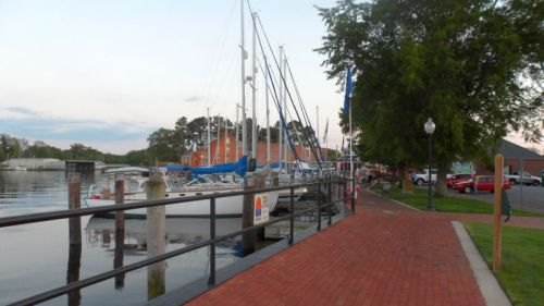 Mariner's Walk, Elizabeth City. That first boat is sure a looker.