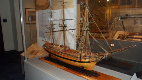 British frigate -- workhorse of the age of sail.  Modern equivalent would be a destroyer.
