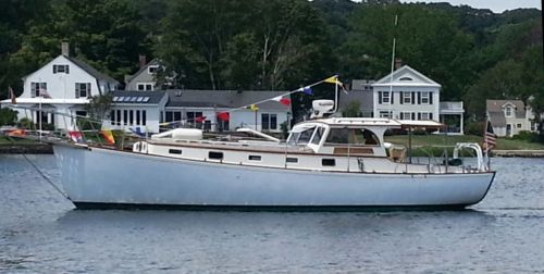 Memsahib steaming down the Mystic River all spruced up for the show.